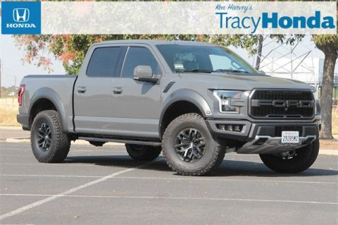 Pre-Owned 2018 Ford F-150 Raptor 10-Speed Automatic with Navigation & 4WD