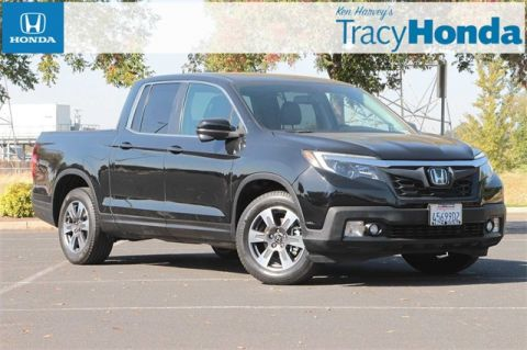 Pre-Owned 2017 Honda Ridgeline RTL-T 6-Speed Automatic with Navigation