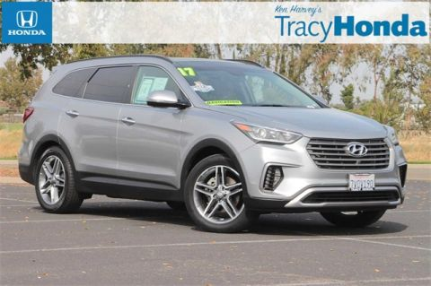 Pre-Owned 2017 Hyundai Santa Fe SE Ultimate 6-Speed Automatic with Shiftronic with Navigation & AWD